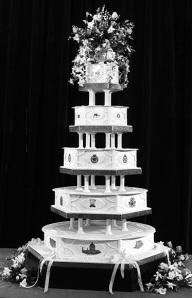 პრინც ჩარლზ და დაიანას საქორწინო ტორტი.Prince Charles and Diana Wedding Cake